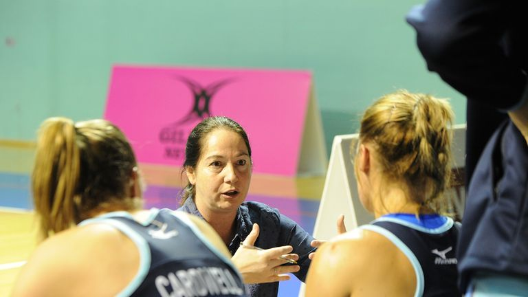 Sam Bird speaking to the Severn Stars players during the season (Credit: Rockpool Photography)