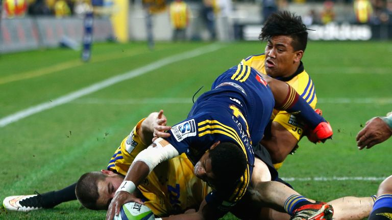 Naholo scored a try in the Highlanders' victory over the Hurricanes in the 2015 Super Rugby final