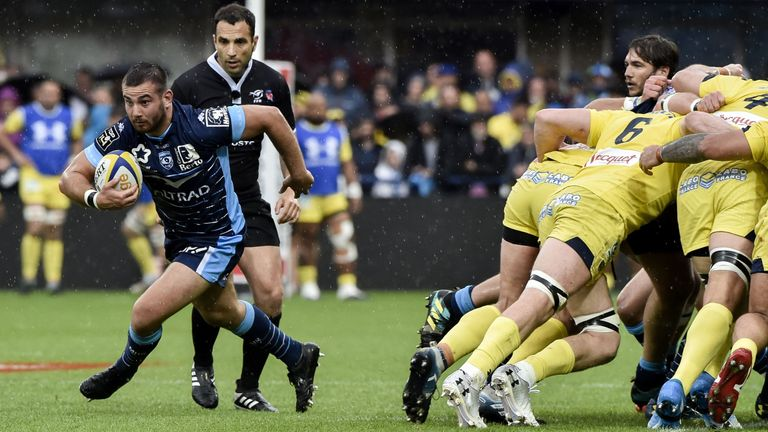Youri Delhommel found gaps in the Clermont defence as Montpellier secured a fine away win