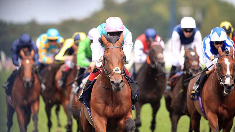 Sangarius and Frankie Dettori win the Hampton Court