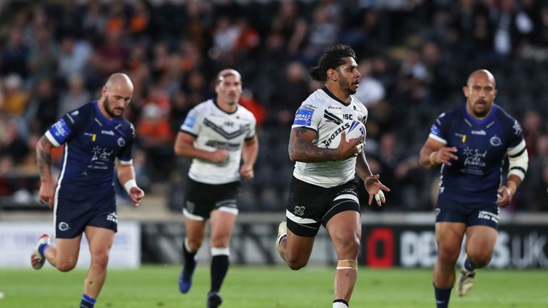 Albert Kelly was among the try-scorers as Hull FC overwhelmed Catalans Dragons