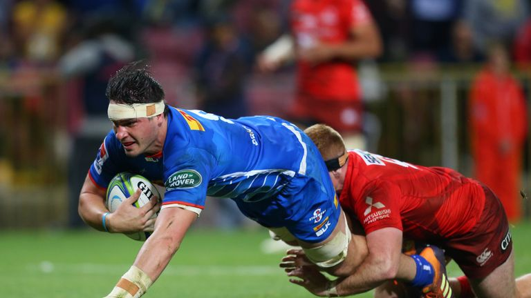 Jaco Coetzee goes over for a try in the Stormers' win at home to the Sunwolves