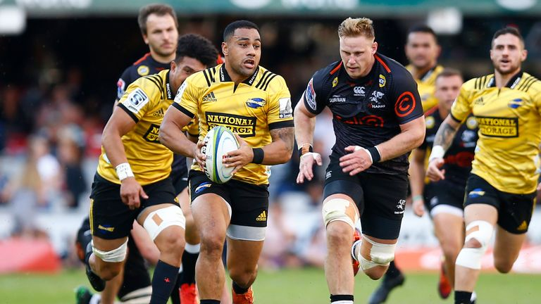 Ngani Laumape on the  attack for the Hurricanes