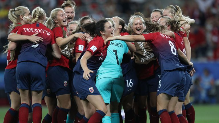Norway beat Australia on penalties to set up a clash with England