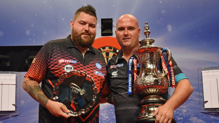 World Cup partners Rob Cross and Smith contested last year's World Matchplay final