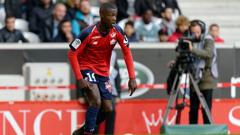 nicolas pepe in london for arsenal medical and to finalise. Black Bedroom Furniture Sets. Home Design Ideas
