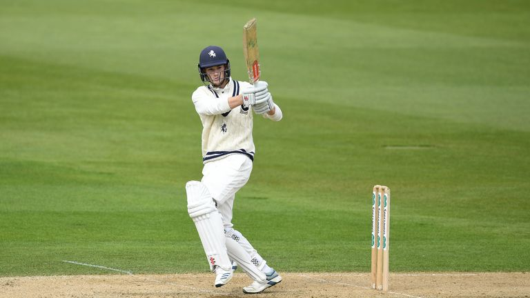 Ollie Robinson's unbeaten 51 guided Kent to victory over Surrey