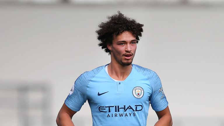 Philippe Sandler is set to move to Anderlecht on loan