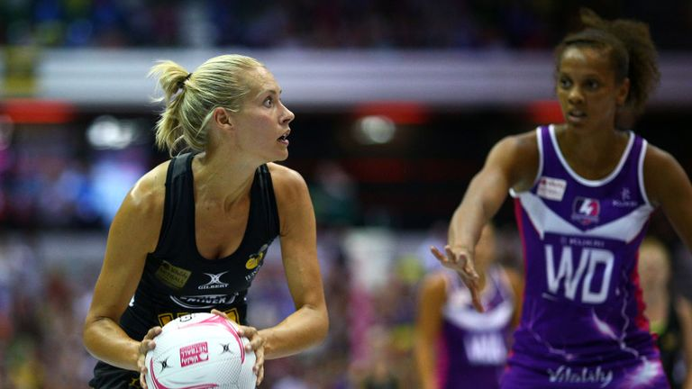 Tamsin Greenway in Grand Final action for Wasps Netball