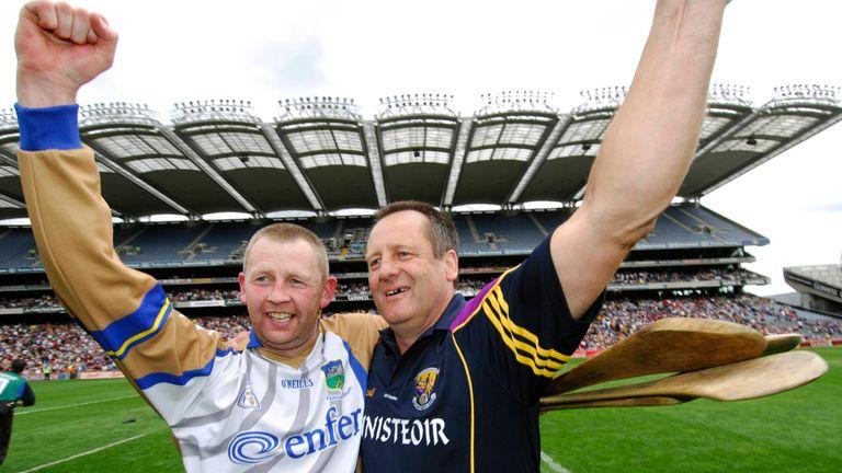 Fitzhenry celebrates with John Meyler at full-time