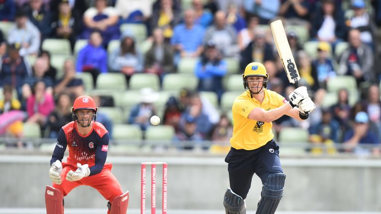 Adam Hose hit seven sixes in his 65 from just 34 balls for the Bears