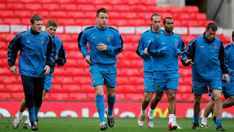 Carragher insists Ashley Cole had no ego, and was misrepresented in the media