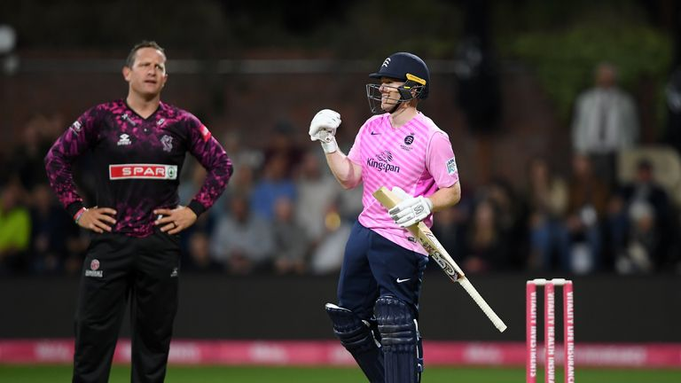Vitality Blast: Middlesex into quarter-finals after record run-chase to beat Somerset