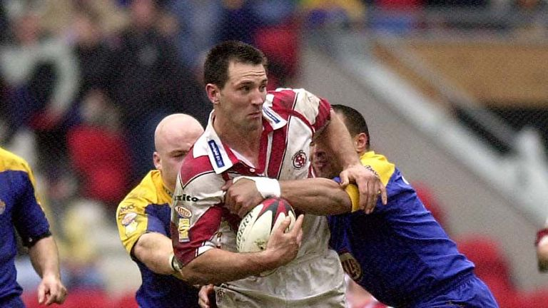 Paul Sculthorpe was at his brilliant best to lead St Helens to a huge Headingley victory