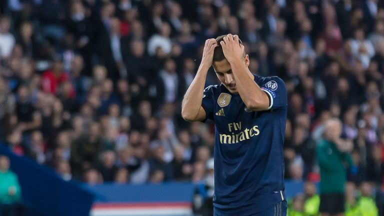 Eden Hazard shows his frustration against Paris Saint-Germain
