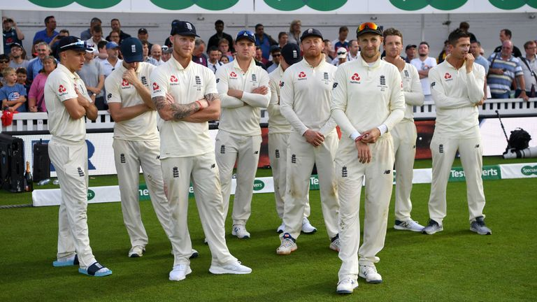 England's players line up for the presentation at the end of the fifth Ashes Test