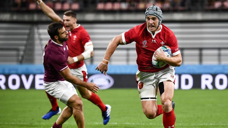 Jonathan Davies opened the scoring for Wales in the opening three minutes