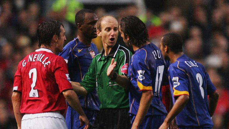 Ref Watch: Manchester Utd vs Arsenal 2004 special - Would VAR have saved The Invincibles? | Football News |