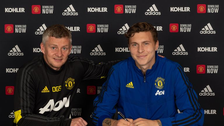Victor Lindelof has signed a new five-year deal at Manchester United