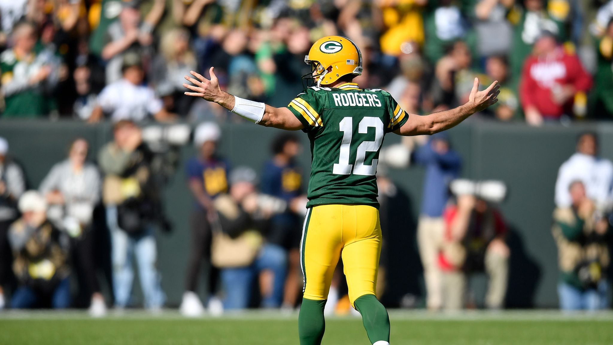 Aaron Rodgers' best moments from spectacular six-touchdown day