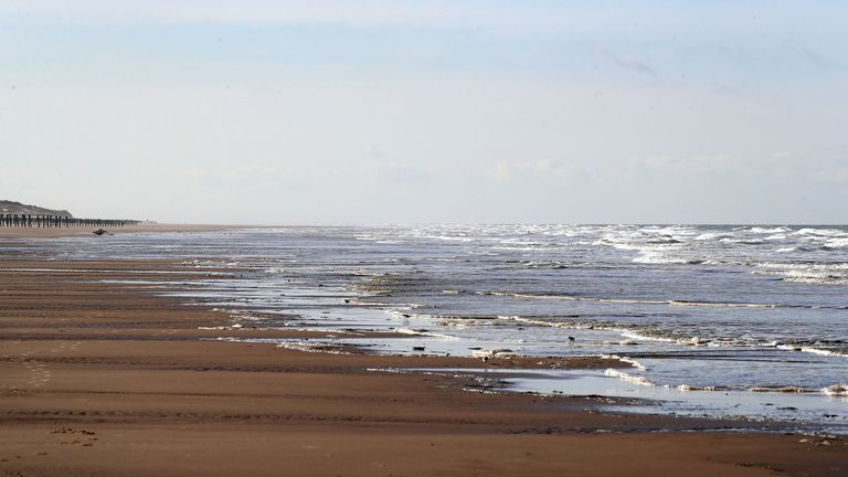 Incredibly, Hunter's arrival time on Calais beach was the same as Vicki's - 14 hours and 40 minutes