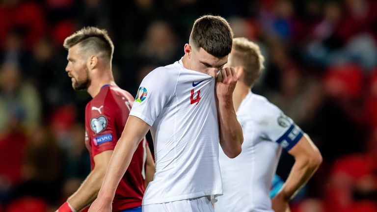 England lose to Czech Republic: Gareth Southgate's midfield experiment fails in Prague | Football News |