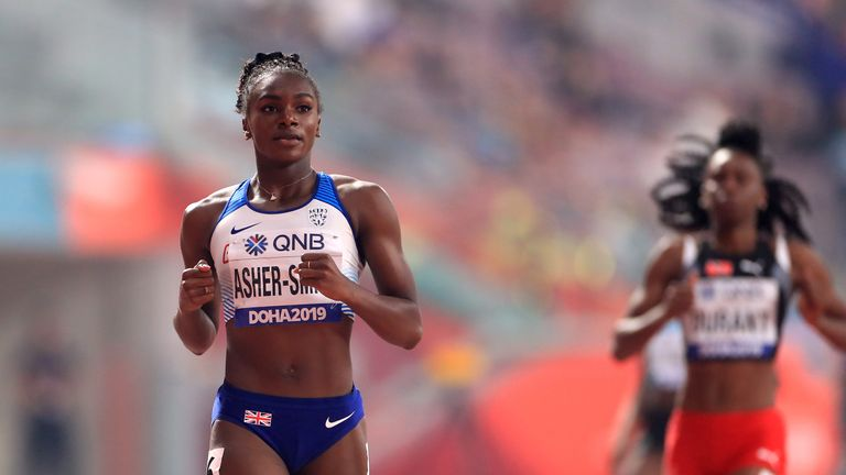 Dina Asher-Smith eased through her 200m semi-final