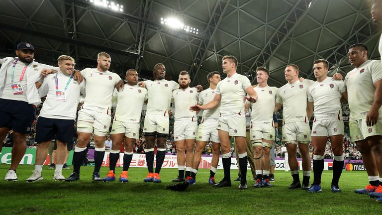 Owen Farrell speaks to his team after England's win against Australia