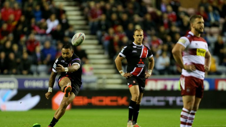 Krisnan Inu kept the scoreboard ticking over for Salford with his goal-kicking