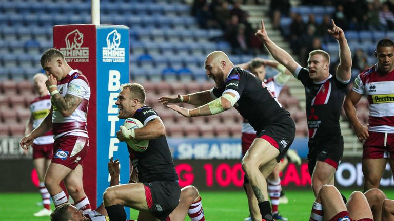 Lee Mossop celebrates his second-half try against old club Wigan