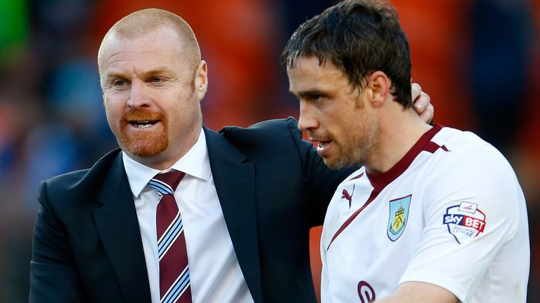 Duff with Sean Dyche during his time as a Burnley player