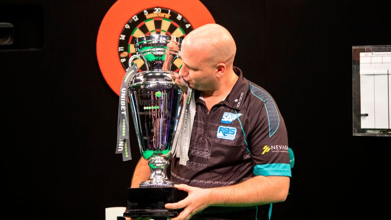 Rob Cross won his maiden European Championship title