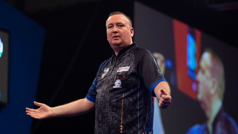 Glen Durrant's kept his hopes alive after a hard-fought win over Martin Schindler