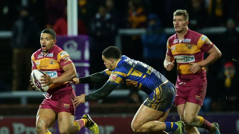 Kruise Leeming has committed his future to Leeds Rhinos