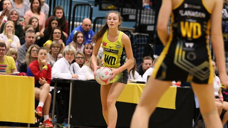 Amy Carter completes Manchester Thunder's Vitality Netball ...