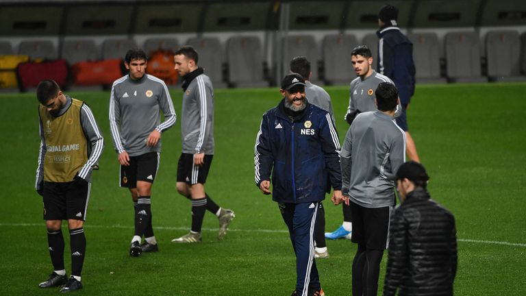 In 12 hours Wolves will fight to keep Nuno away from Arsenal