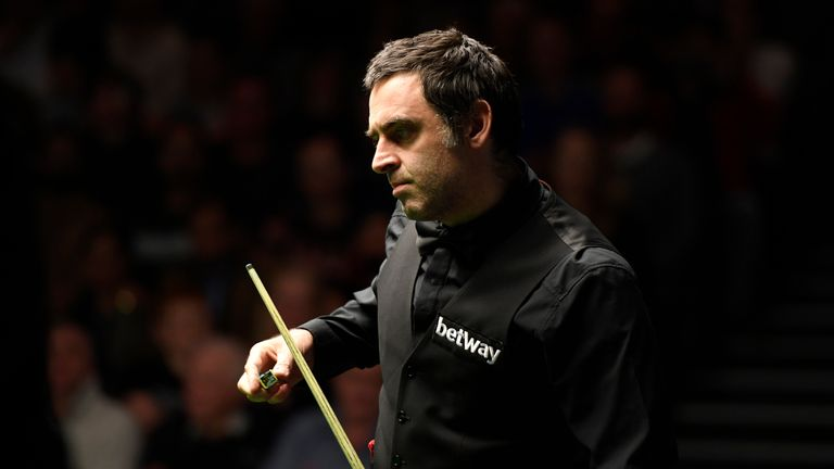 Ronnie O'Sullivan made a winning start to his UK Championship defence at The Barbican