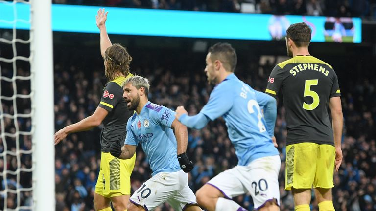 Sergio Aguero equalises for Manchester City from Kyle Walker's cross