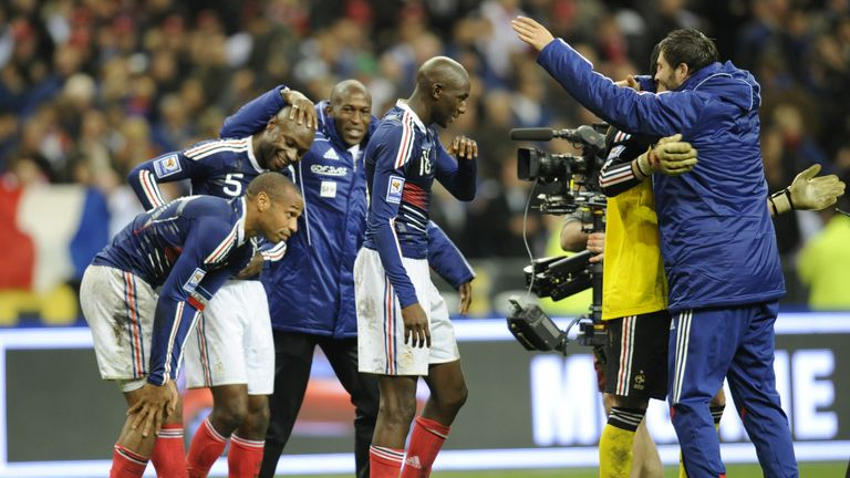 French players celebrate their passage to Euro 2012