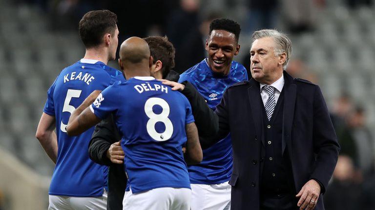 Ancelotti celebrates with his Everton players