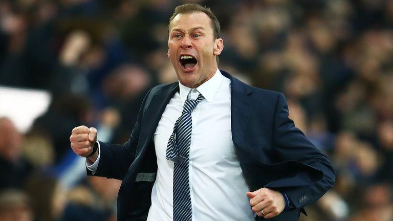 Ferguson celebrates Everton's third goal in the 3-1 win over Chelsea