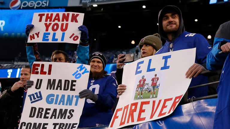 Giants fans show their appreciation for Eli Manning
