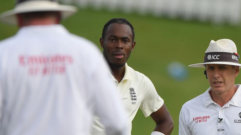 Jofra Archer speaks to the umpires after bowling consecutive high full tosses on day two of the first Test at Centurion