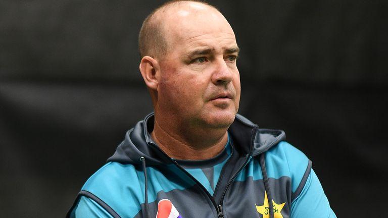 El ex entrenador de Pakistán Mickey Arthur se hace cargo de Sri Lanka por primera vez cuando las dos partes se encuentran en Rawalpindi