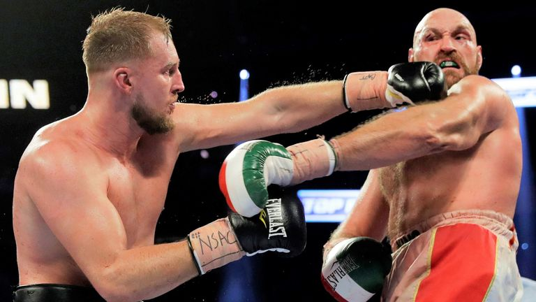 Wallin shared a brutal battle with Fury at the T-Mobile Arena