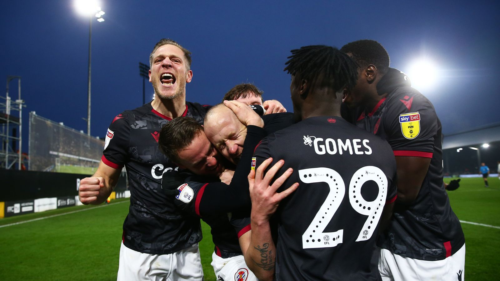 Fulham 1-2 Reading: Royals maintain fine run at Craven Cottage