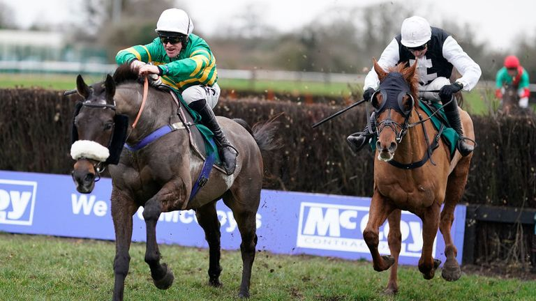 Kimberlite Candy sees off Captain Chaos at Warwick