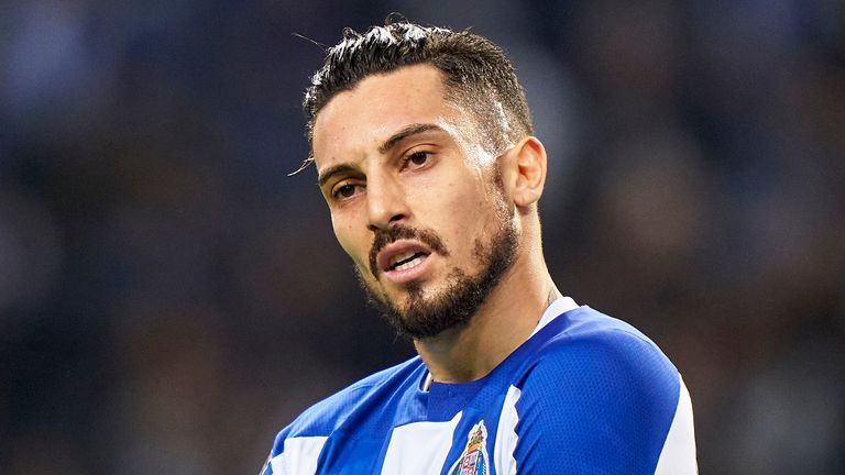 Alex Telles reportedly wants to leave Porto for Chelsea