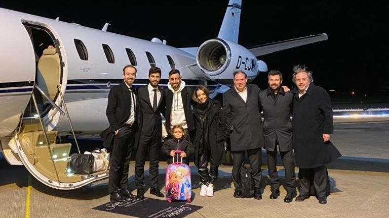 Fernandes landed in Manchester on Wednesday evening - Image Credit: Sky Italy