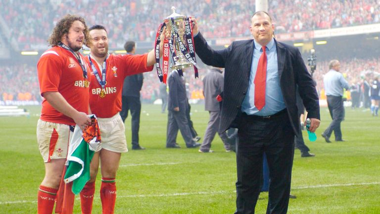 Ruddock lifts the 2005 Six Nations title in Cardiff